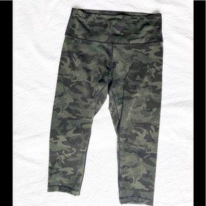 Camo lululemon leggings 10